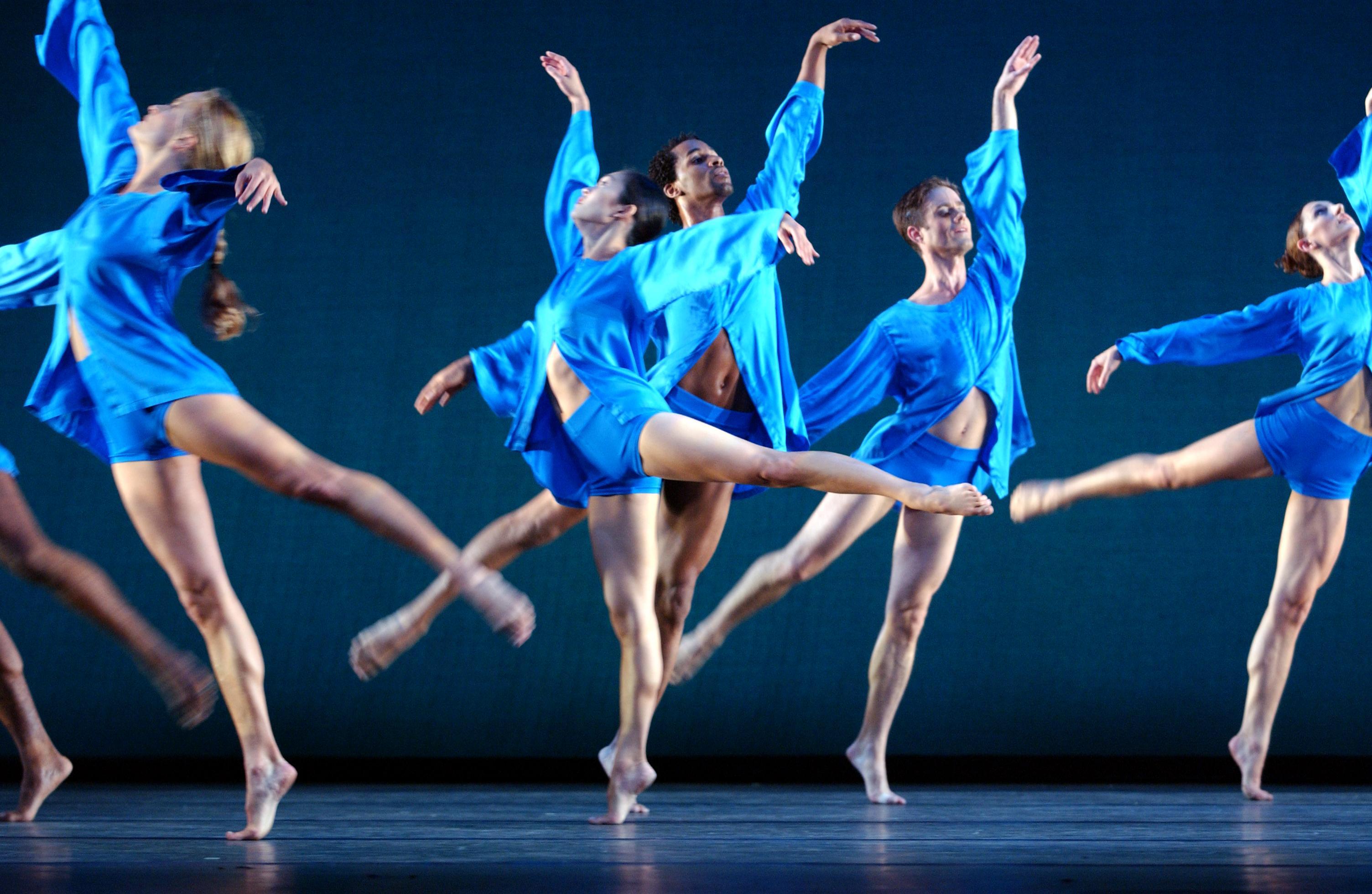 DANCE GROUP   Rainbow Entertainment